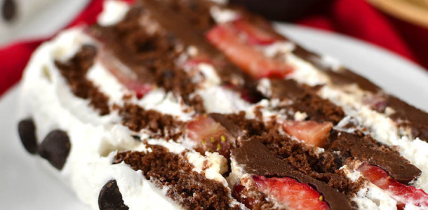 Chocolate-Covered-Strawberry-Icebox-Cake-01
