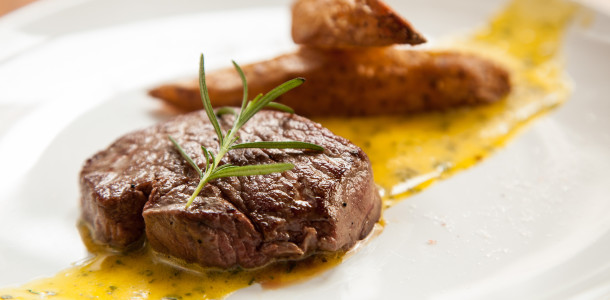 steak_bearnaise_e_fritas_rusticas_chez_vous_creditos_Luis_Simione