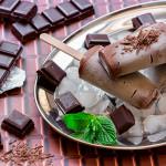PICOLÉ DE CHOCOLATE COM DOCE DE LEITE